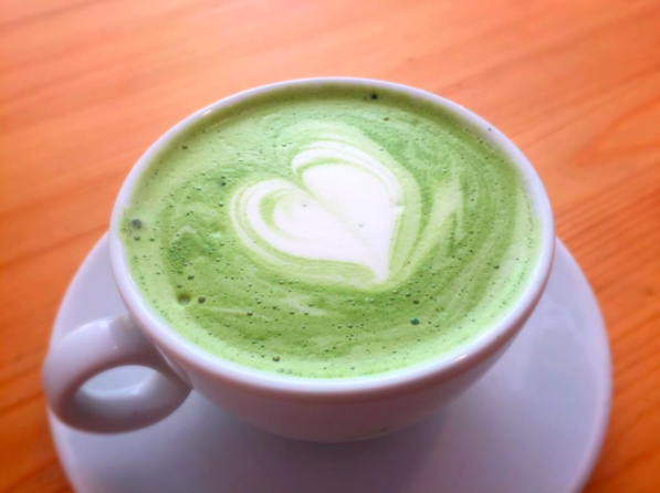 Alternatieven voor koffie matcha latte