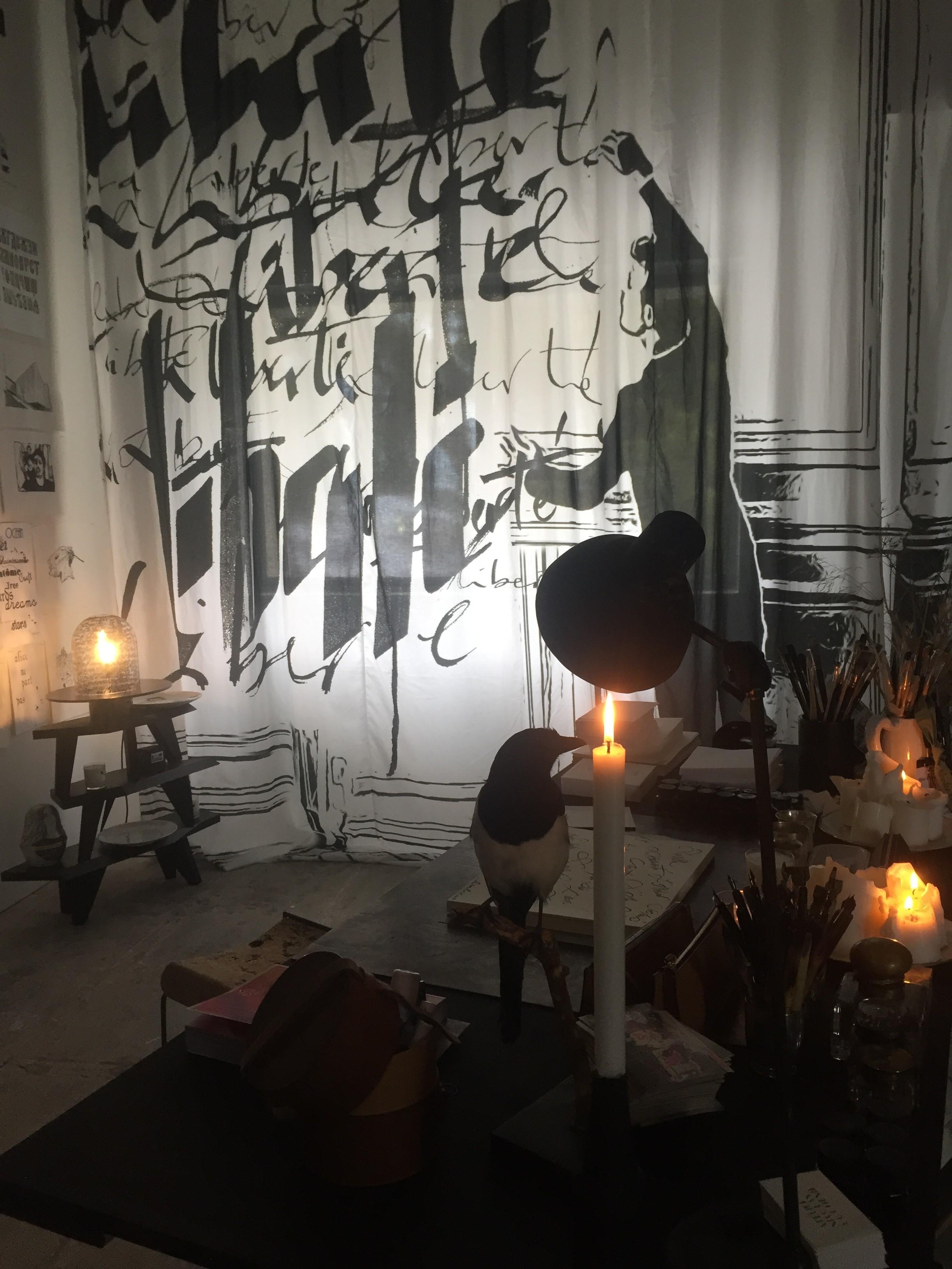 Nicolas Ouchenir, kalligraaf, Chanel, Chloé, Hyères, festival, modefestival, Festival van Hyères