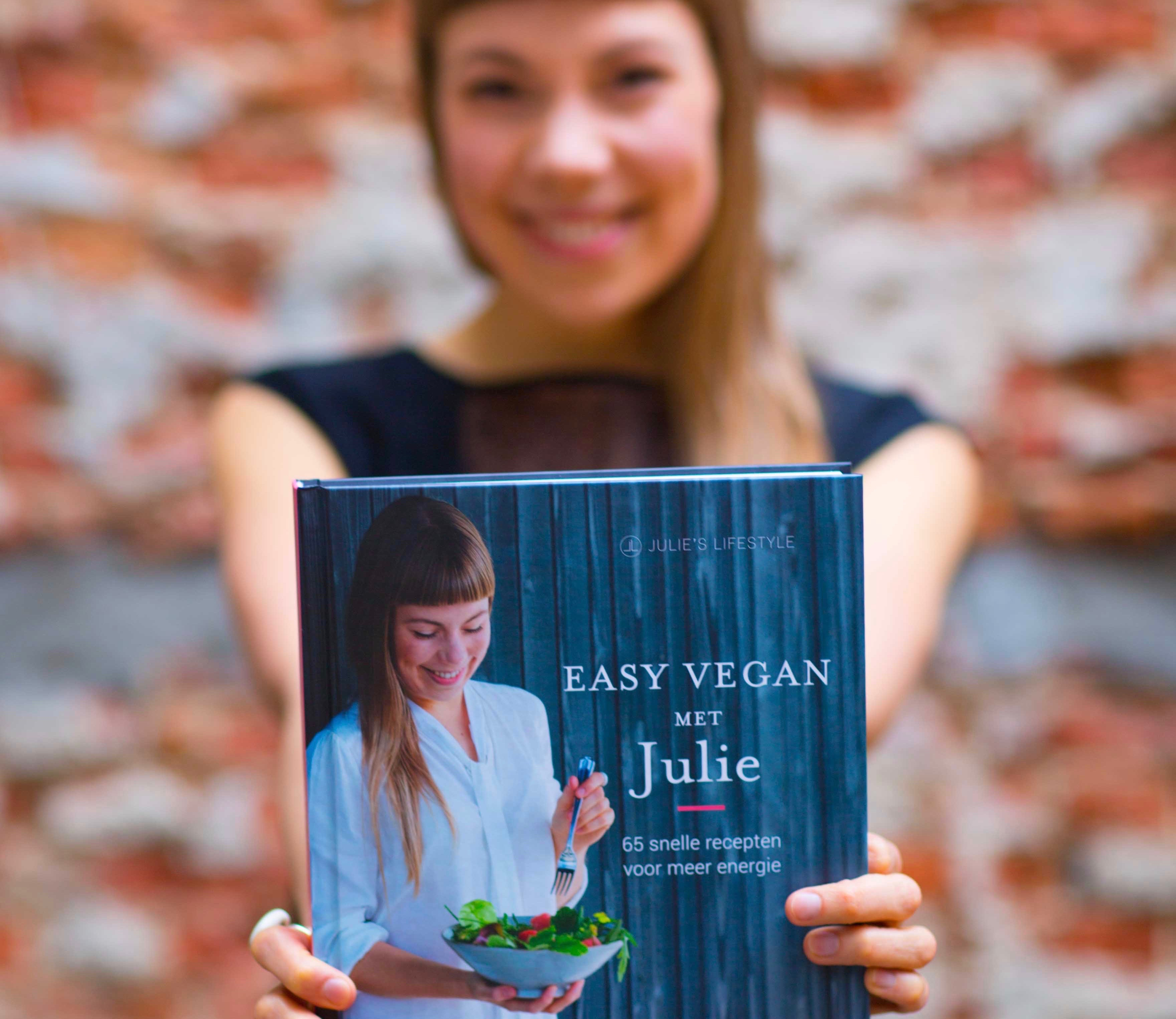 Raw Food Chef Julie Van den Kerchove_EasyVeganMetJulie