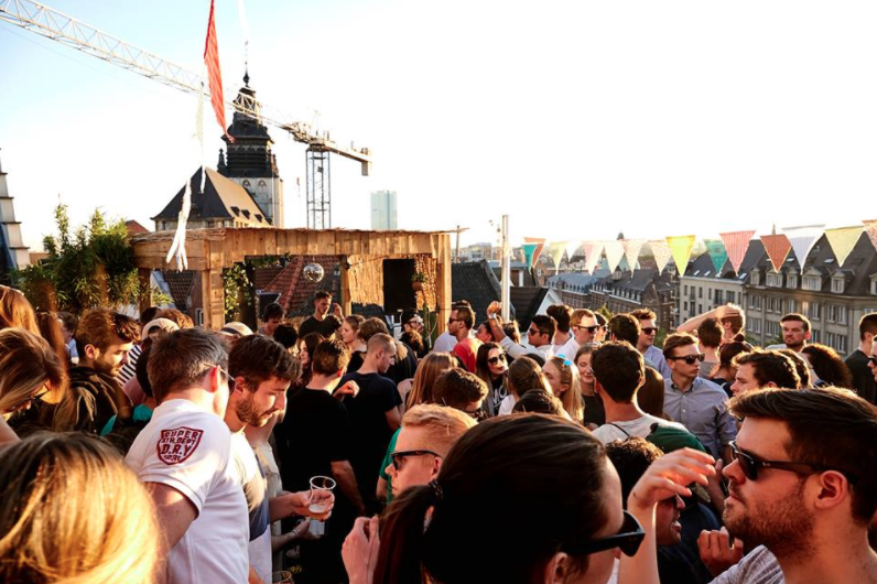 brussel_rooftops_popup_zomerbars_concept_playlabel_lahaut_viage_la_terrasse_1