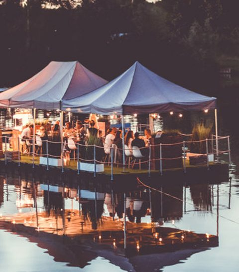 Hoera: Dinner on a lake komt terug