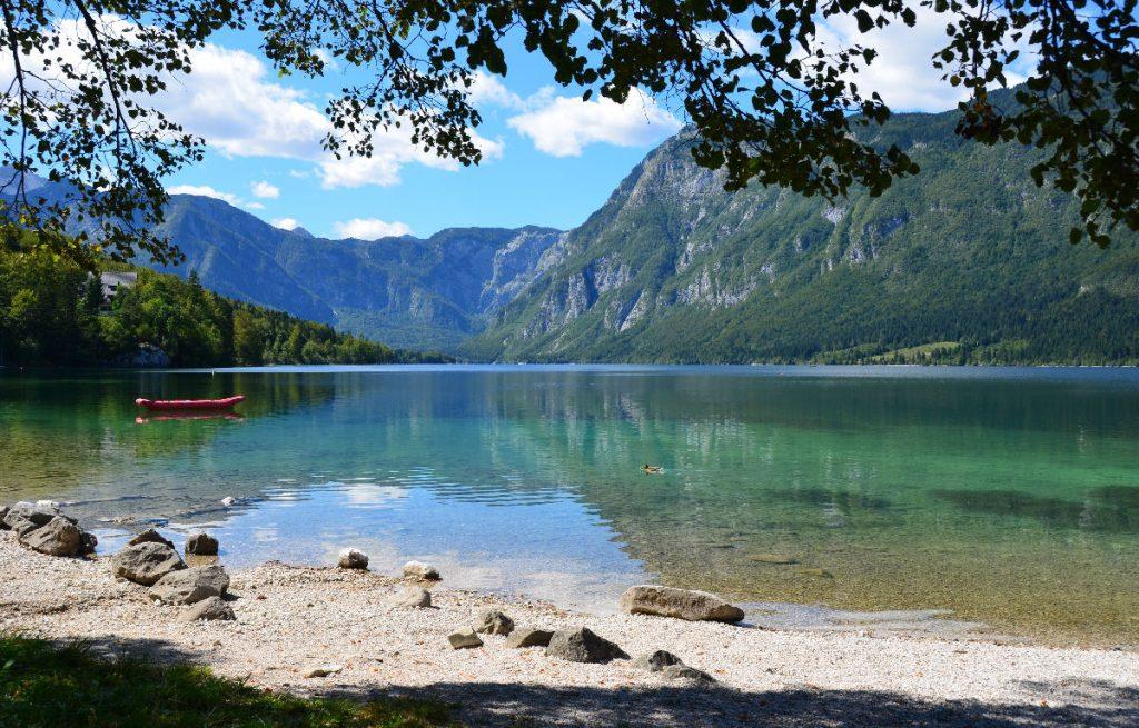 slovenia meer bohinj alpen