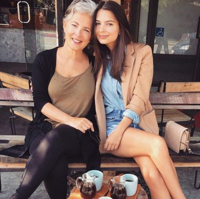 emily_ratajtowski_instagram_sexy_moeder