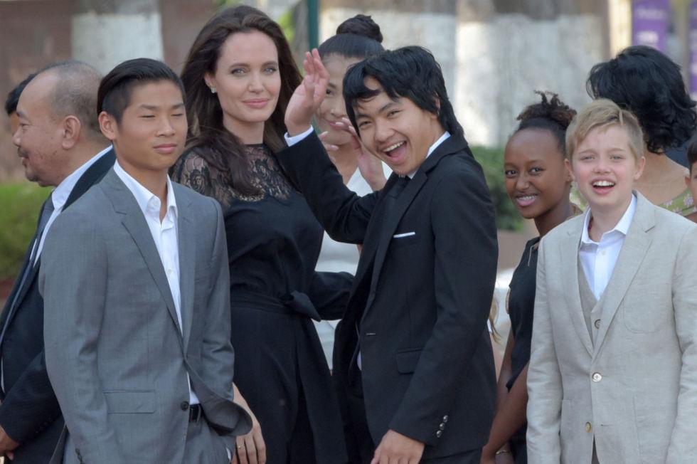 Deze foto dateert al van vorig jaar, sindsdien blijft de oudste Jolie-Pitt dochter uit de schijnwerpers.