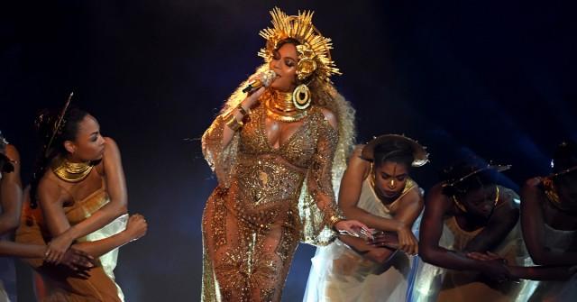 Dit zijn de verborgen boodschappen achter Beyoncés zwangerschapsfoto's - 1