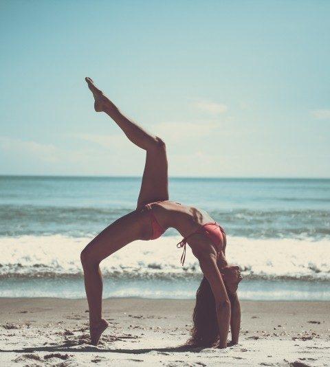 Waarom je deze zomer een yogareis naar de zon moet boeken