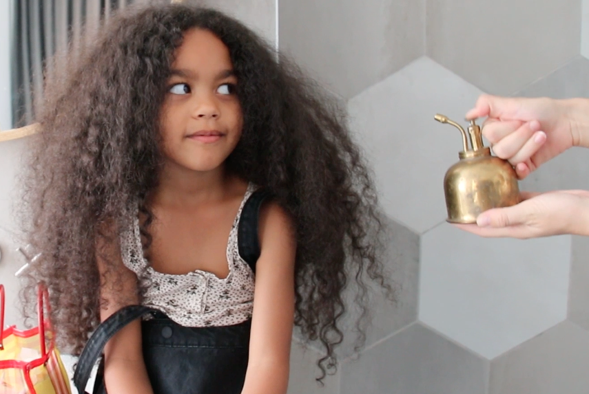 lou-mungiele- styling -afro-haar-how-to-tutorial-vlog-rapunzel