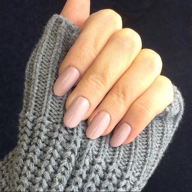 nagels vorm ovaal