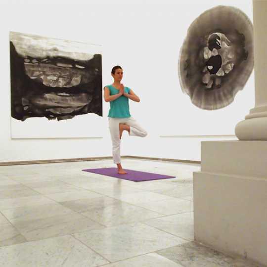 yoga in het museum mskb brussel