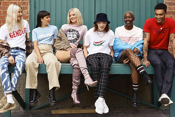 Hebben: de Zeitgeist slogan shirts van Weekday vieren hun zesde verjaardag - 1