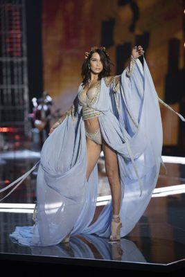 2017 Victoria's Secret Fashion Show – Runway