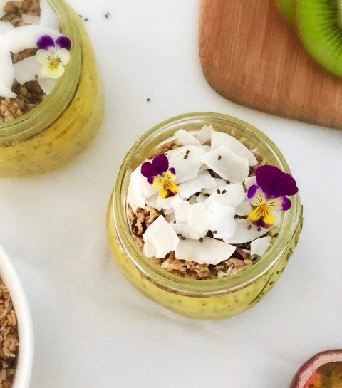Gezond Ontbijt: Mango Kokos Chiapudding | Slechts 4 Ingrediënten! (Vegan)