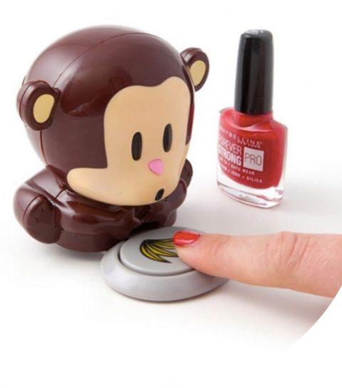 Must-have: dit schattige aapje blaast je nagels droog