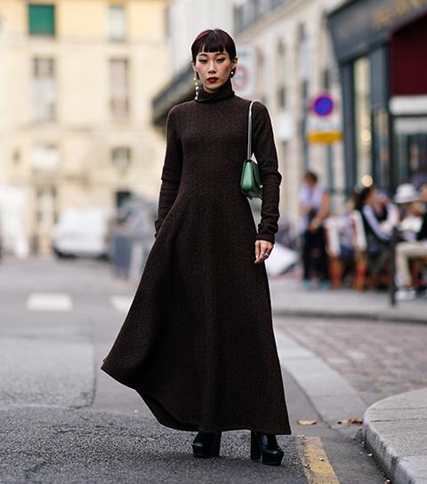 Hoe draag je een lange jurk in de winter?