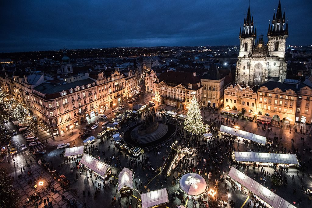 winter, reizen, bestemming, top 10, sneeuw, natuur, citytrip, praag, tsjechie