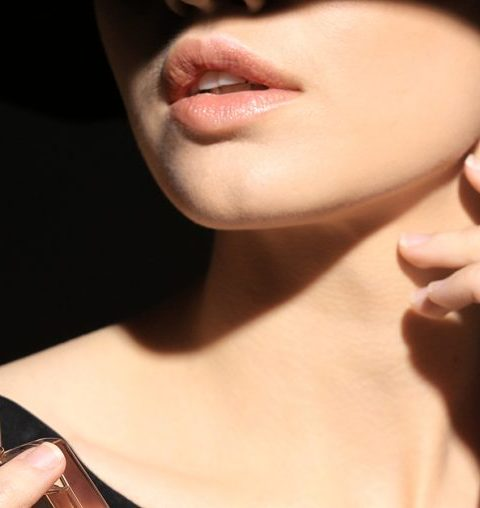 5 originele manieren om jezelf te parfumeren