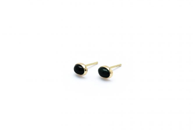 wouters_hendrix_new_gold_18_carat_gold_stud_earrings_with_Blue_Tiger_Eye_stone_350eur
