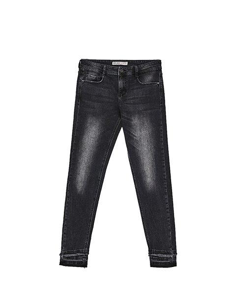 jeans, buikje, kort bovenlijf, kort bovenlichaam, plat achterste, rond achterste, platte kont, ronde kont, brede heupen, zware dijen, zware bovenbenen, zware kuiten