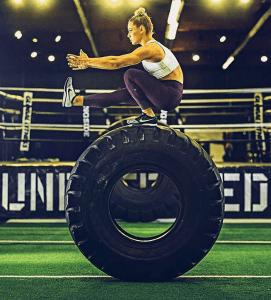kaiafit instagram fitspiration fitspiratie inspiratie fitspo sport fitness training band tire flip