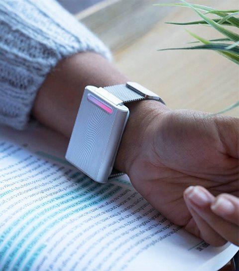 Dankzij deze armband voel je niets van de aankomende koudegolf