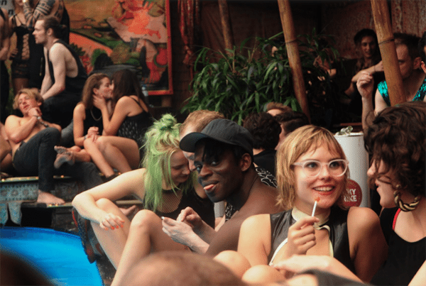 Dit waren de wildste feestjes van de eighties, nineties en nillies - 9