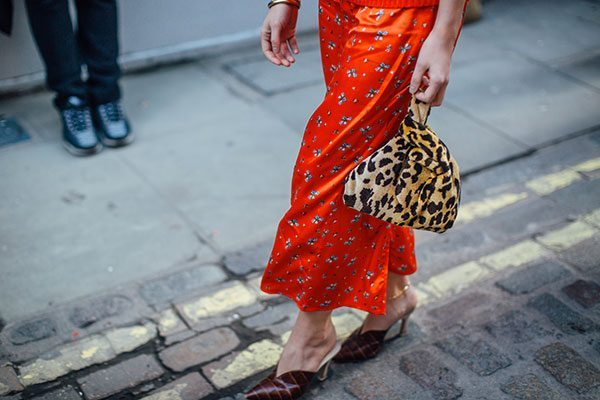 London Fashion Week: De fashion incrowd ziet rebels rood - 1