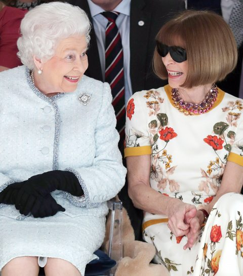 Queen Elizabeth is meest verrassende front row-gast tijdens London Fashion Week