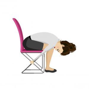 5 eenvoudige yoga-oefeningen die je op je bureaustoel kan uitvoeren - 3