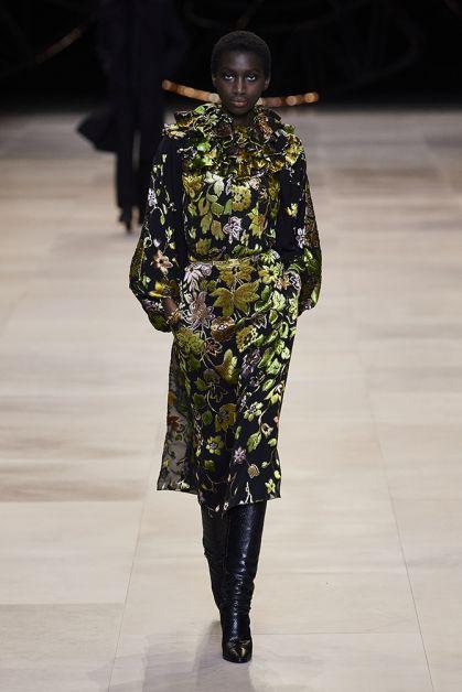 Paris modeweek catwalk