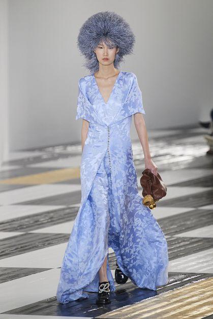 Paris Fashion Week in 85 spetterende catwalk looks - 35