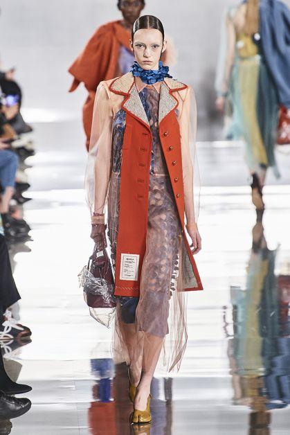 Paris Fashion Week in 85 spetterende catwalk looks - 37