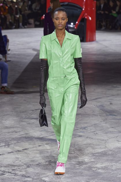 Paris Fashion Week in 85 spetterende catwalk looks - 56