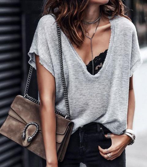 10 coole manieren om een oversized t-shirt te stylen
