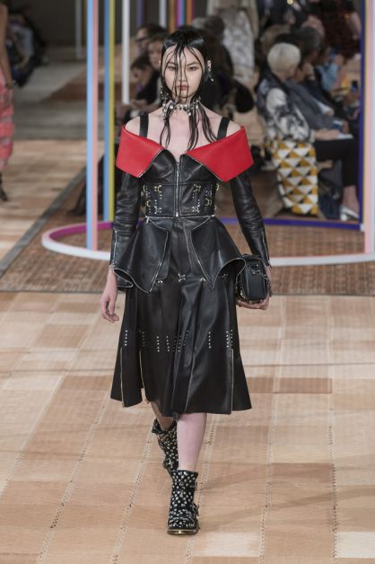 punk punx not dead trend catwalk ss18 spring summer mode fashion week alexander mcqueen