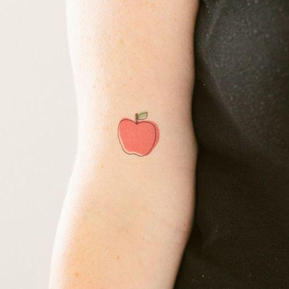 kleine_tattoos_mini_pols_fruit_emoji_kers_tattoo_
