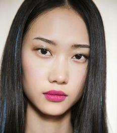 Getest: deze lipstick blijft wel zitten onder een mondmasker