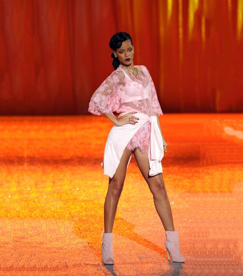 Geniaal: Rihanna brengt een muy caliente lingerielijn uit