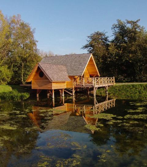 Glamping goals: in dit Belgische park slaap je in waterhutjes