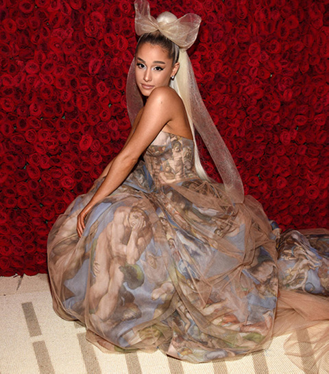 De allermooiste outfits van birthday babe Ariana Grande