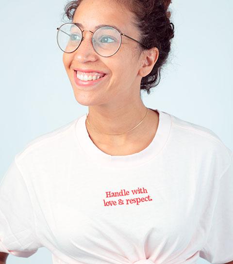 Modemerk Monki is nu LBGTQ-gecertificeerd maar wat betekent dat?