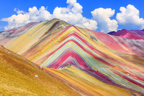 natuur, kleur, reis, bucket list, rainbow mountain, colorada, red sea, spiaggia rosa, prismatic spring, geiser, cuzco