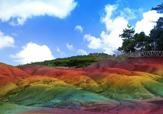 natuur, kleur, reis, bucket list, rainbow mountain, colorada, red sea, spiaggia rosa, prismatic spring, geiser, mauritius