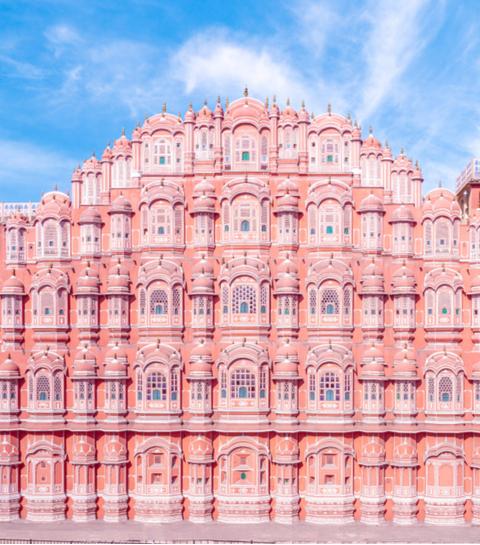 11 roze hotspots om naartoe te reizen