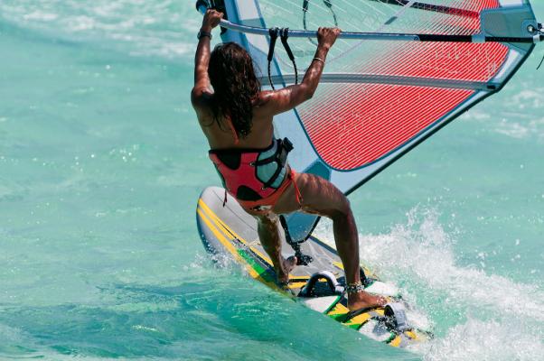 watersport-calorieen-verbranden-surfen-2