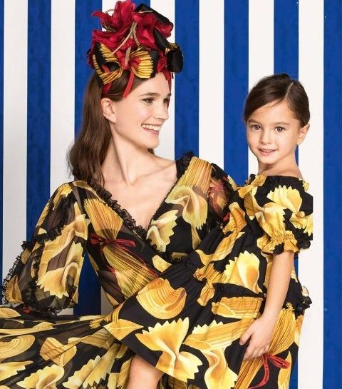 Trend Alert: 6 Kledingmerken voor matching moeder en dochter outfits