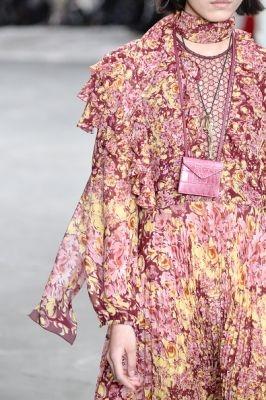 Giambattista Valli : Runway – Paris Fashion Week Womenswear Fall/Winter 2018/2019