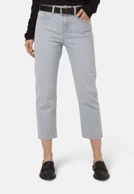 woman sustainable ecologische jeans