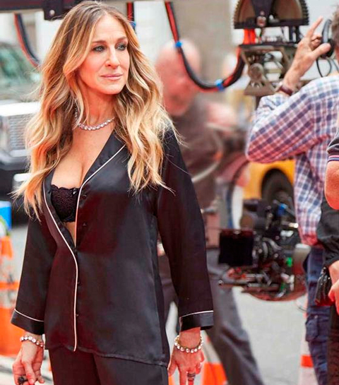 Carrie Bradshaw maakt modestatement in New York