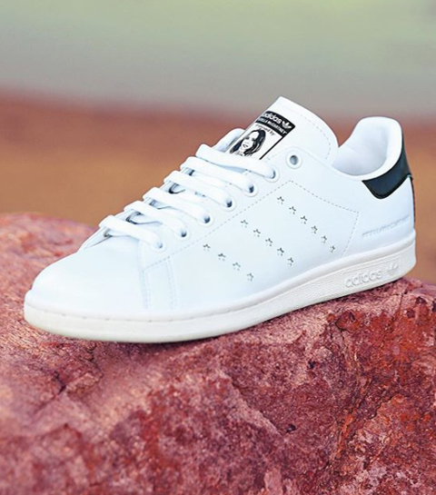 De iconische Stan Smith-sneaker bestaat nu ook in een vegan versie