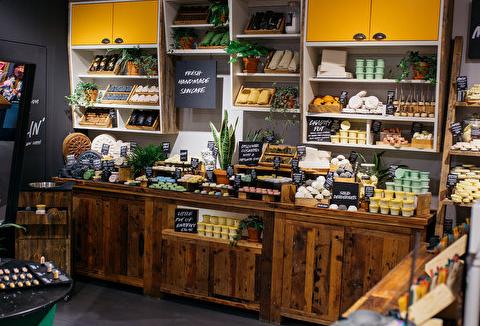 Binnenkijken in de nieuwe plastiekvrije winkel van Lush